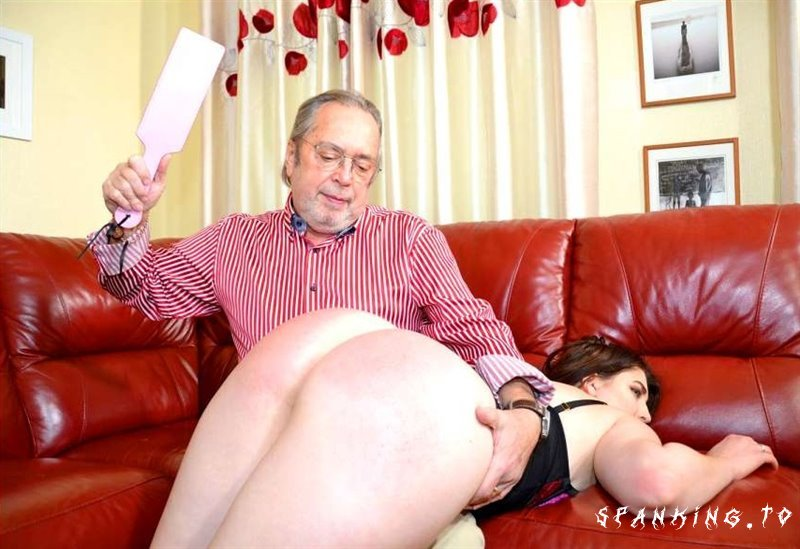 The Underwear Shoot - English-Spankers - Full HD