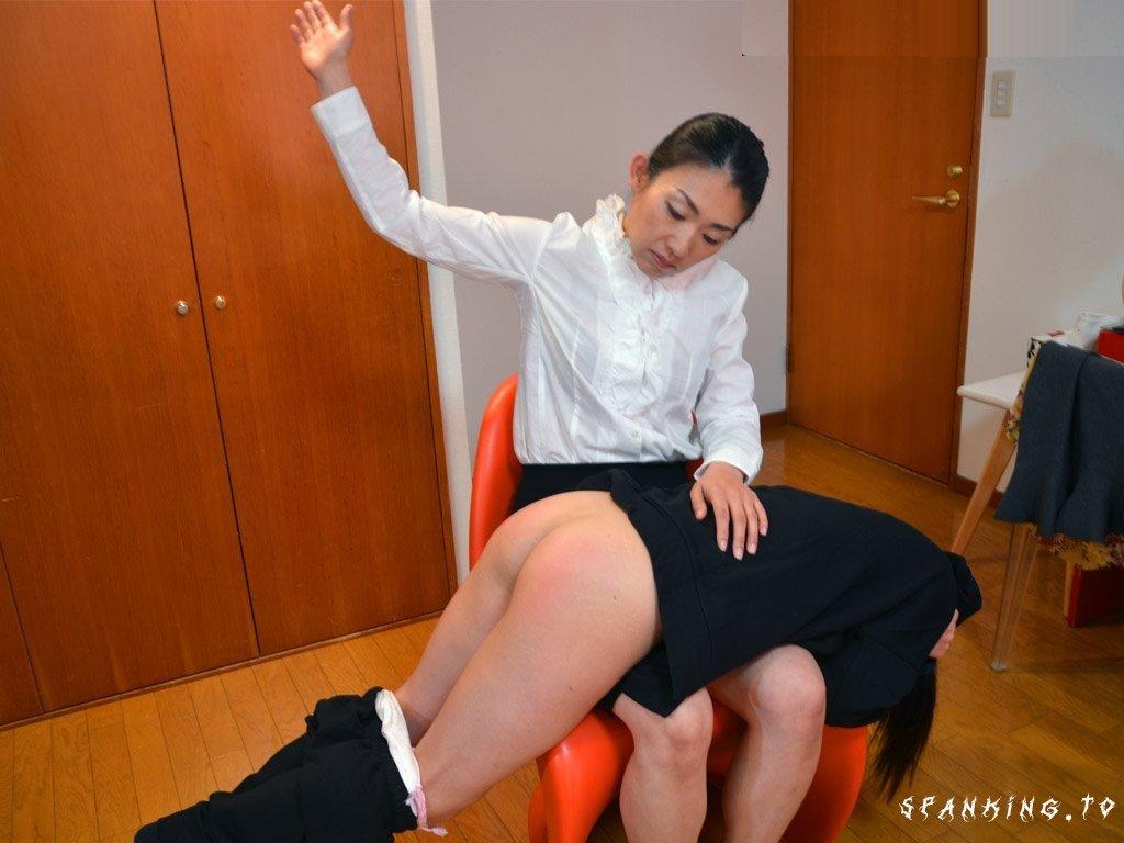 The Professional Disciplinarian - Japanese Hand-Spanking